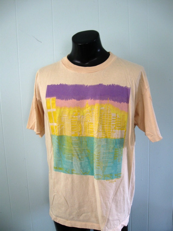Vintage New York City Tee Skyline NYC Peach NY Gold Purple Pastels TShirt XL