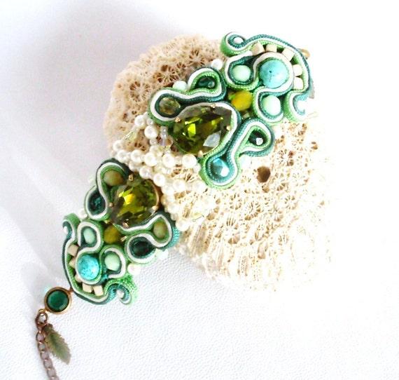 "Beaded pearl  bracelet , swaroski crystal and pearl bracelet , vintage inspired fashion jewelry , "" La Boheme""  ,  spring summer"