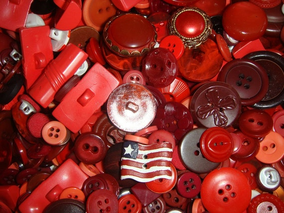 Shades of RED BUTTONS 100 piece random selection of Vintage to Modern Sewing Buttons