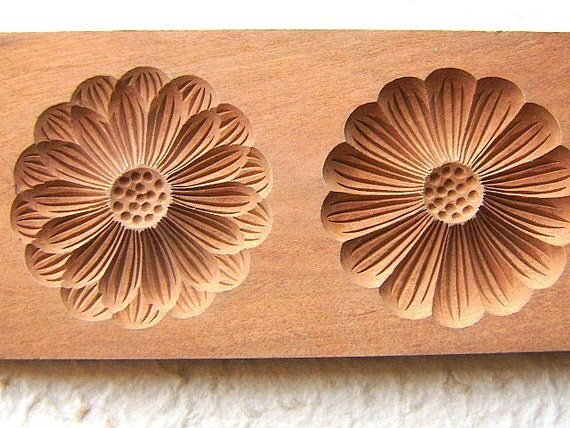 Vintage Japanese Kashigata Mold Chrysanthemum Kiku Flower Mold