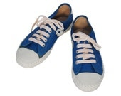 SALE - 90s Blue Sneakers with Chunky White Sole Sz 7.5-8