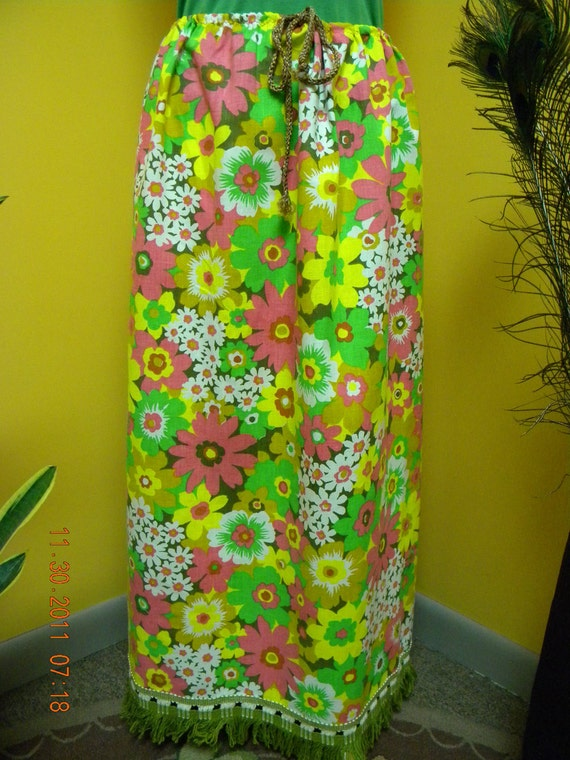 That 70s Skirt Flower Power