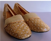 Vintage 1960's Gold Lame Shoes Flats // Travel Slippers // Size 6-6.5