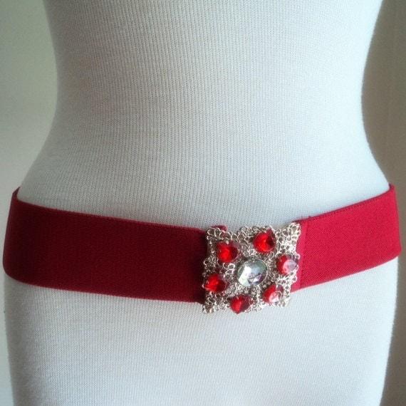 Vintage 1980's Red  Belt // Elastic Belt // Rhinestone // Gold Metal Buckle // Cinch Belt