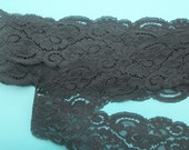 BLACK LACE  Vintage Galloon Raschel 15 yards ...  2-1/2 inch-wide 3 inch-pattern-repeat ... made in usa
