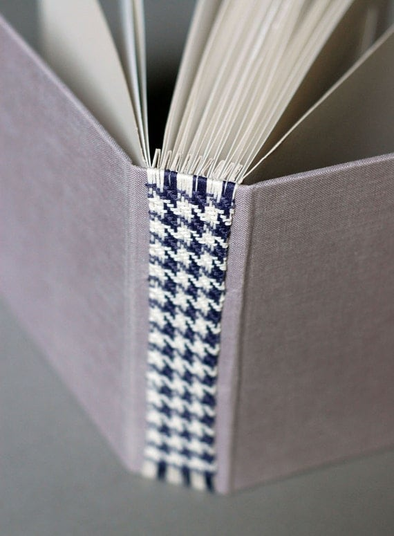 "Sale - Photo Album in Lilac with Houndstooth Woven Spine, for 4x6"" Photographs"