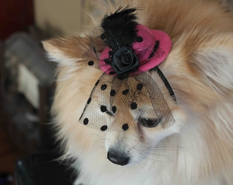 Cute  hot pink  color  mini  hat with   feather and   flowers for dog or cat