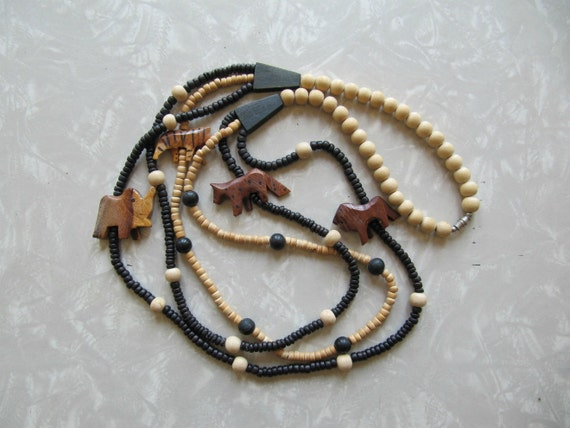 1980s wooden animal and beaded necklace