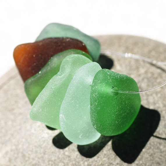 Top drilled Seaglass in Mixed Colors. 6 Pieces. Green, Seafoam, Teal and Brown. Mid Sized. Lot E1