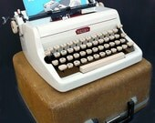 1950s White Royal Portable Manual Typewriter w/ Case