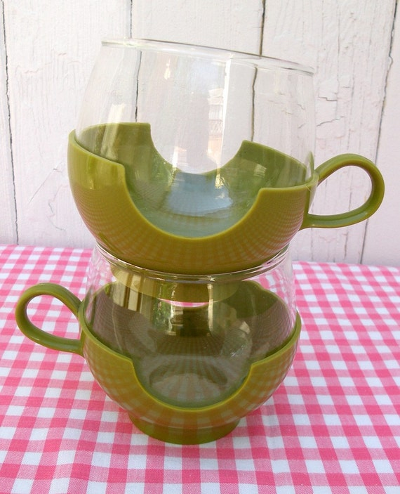 SALE - Avocado Green Pyrex Cups with Holder - Set of 2