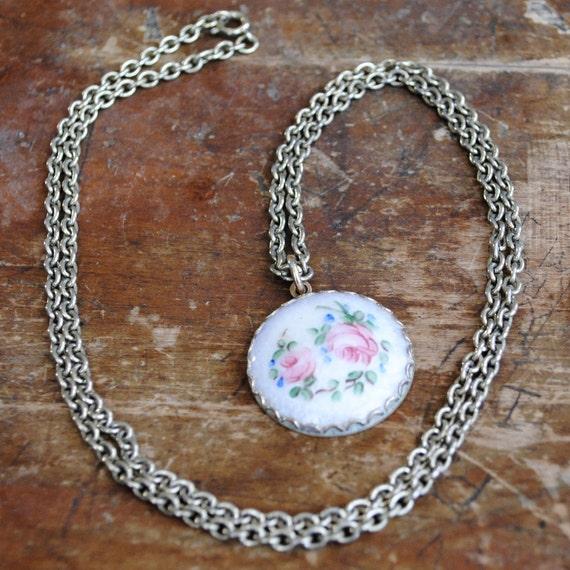 floral guilloche / a pendant necklace
