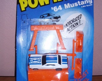 ERTL POW-R-PULL '64 Mustang 1\/64 Scale