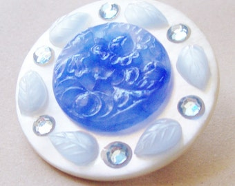 Something Blue Brooch Pin Vintage Mother of Pearl MOP Button Lagoon Glass. Leaf Botanical Jewellery Jewelry Accessories White Handmade