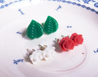 Italiano Earring Set. Studs. Vintage Cabochon. Flower. Leaf. Jewellery dspdavey Two Cheeky Monkeys Botanical Floral Red White Green
