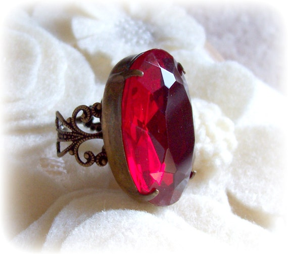 Ring. Marisol. Cocktail. Vintage Glass Jewel. Ruby Red. Statement Ring. Jewellery by dspdavey on Etsy
