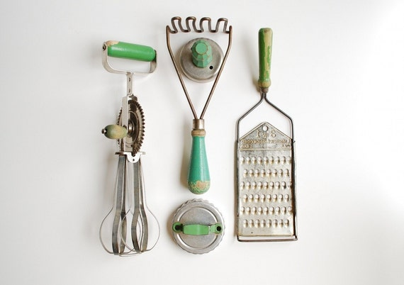 Instant Collection Vintage Green Handled Kitchen Utensils