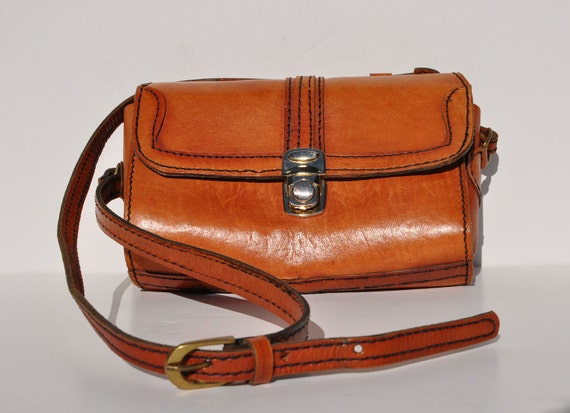 vintage 1970s shoulder bag purse leather small cross body