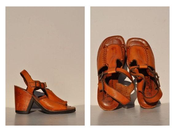 PLATFORM vintage leather SANDALS heels hippie boho 8 B