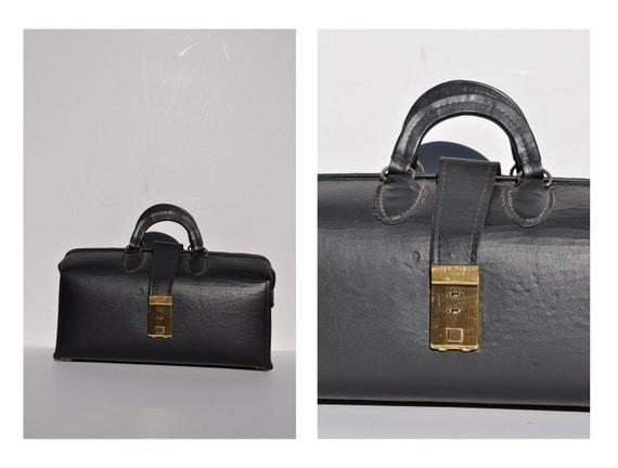vintage mod purse small doctors bag vintage leather bag 1960s