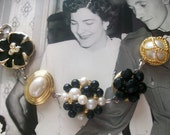 Breakfast at Tiffanys - Vintage Earring Assemblage Bracelet In Black Faux Pearl And Gold, Wedding Bracelet, Bridesmaid Gift, Mad Men