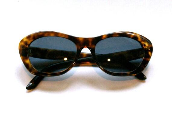Tortoise Shell Cat Eye Sunglasses - Vintage - JV