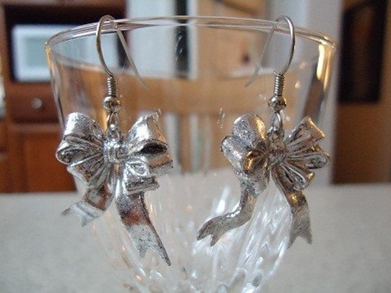 Silver Plastic Mini Christams Bow Dangle Earrings
