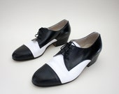 Vintage shoes. black and white tuxedo mens oxfords. size 42/9