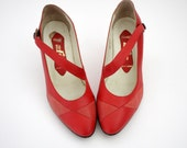 Vintage shoes / 1980s red strappy heels / size 37.5/38 - 7/7.5