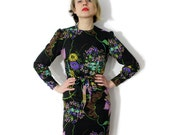 Vintage dress. 60s 70s long sleeve floral fitted belted. size S