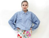 Vintage shirt. oversized denim stud button up. size M/L