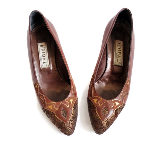 Vintage shoes / brown leather stitch stacked wood heel pumps / size 39.5-8.5