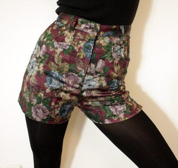 Vintage shorts. le chateau floral high waist. size XS/S