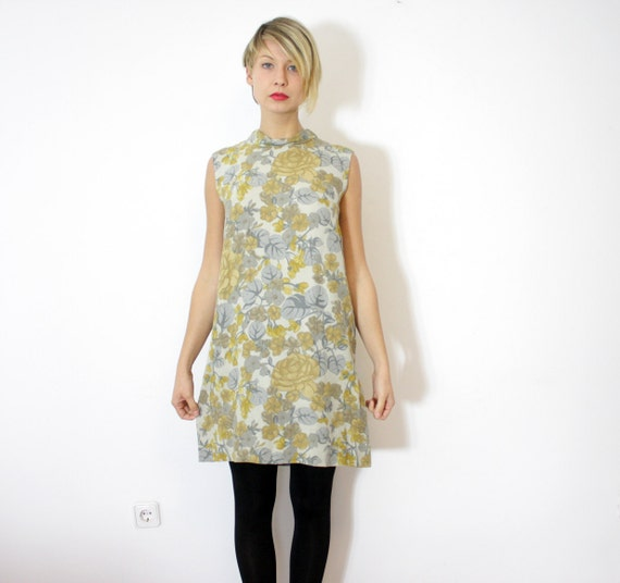 Vintage dress / 60s gray and yellow floral Twiggy / size M
