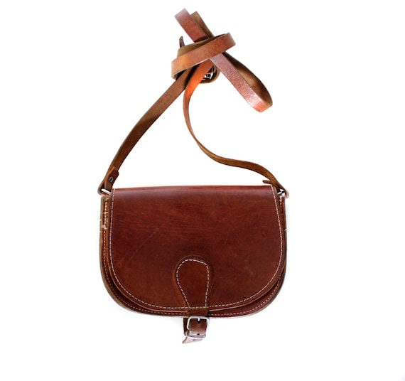 Vintage purse. small brown leather satchel.