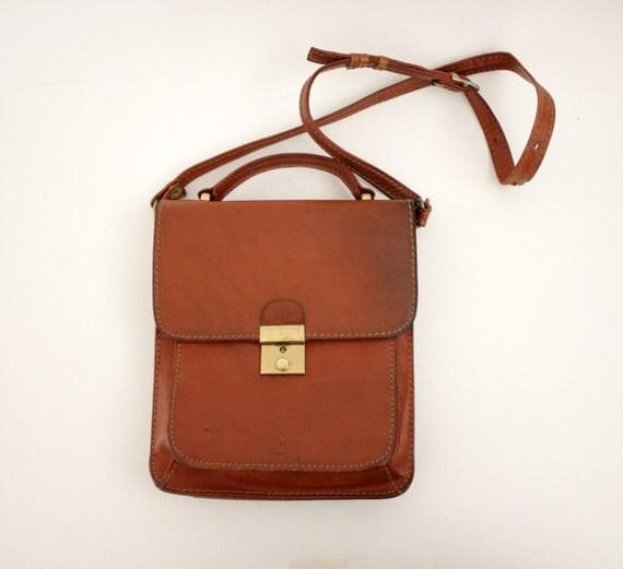 Vintage bag / brown leather satchel shoulder purse