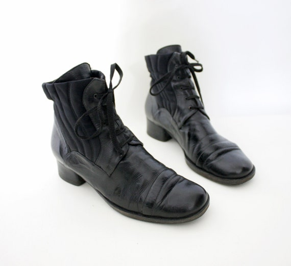 Vintage boots / black leather granny ankle booties / 37/38 - 7/7.5