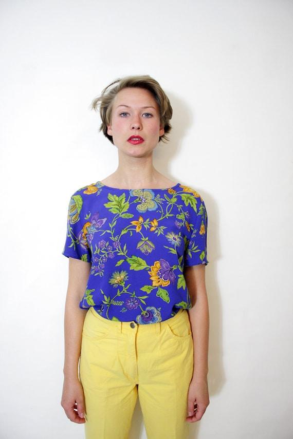 Vintage top. purple floral blouse. size S