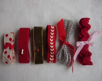 Red and White Vintage Trim Kit - 25 Pieces