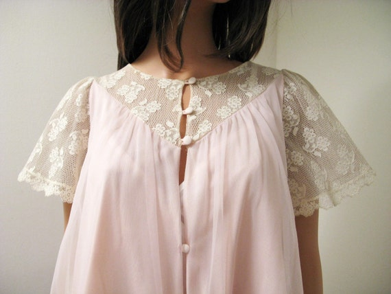 CLEARANCE Pink Chiffon Peignoir - Vintage 60s Sheer Pink Chiffon Off White Lace Short Robe Sz M Free US Shipping