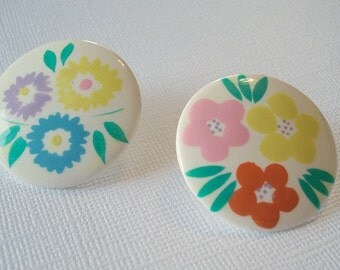 Flower Earrings 1980s Earrings Vintage Flower Spring Round Earrings Pink Yellow Orange Blue Flowers