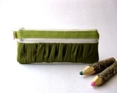 SALE 20 Percent OFF - It was  24 USD -  The True Romantic Pouch in green/green