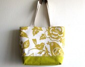 Leona Summer Market Bag in Yellow and a bright yellow and white fabric