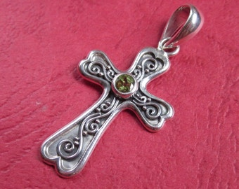 Bali sterling Silver Cross Pendant / sterling silver / Balinese silver handmade pendant