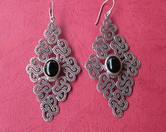 Large Alluring Bali sterling Silver Onyx Rhombus shape Earrings / silver 925 / Handmade jewelry
