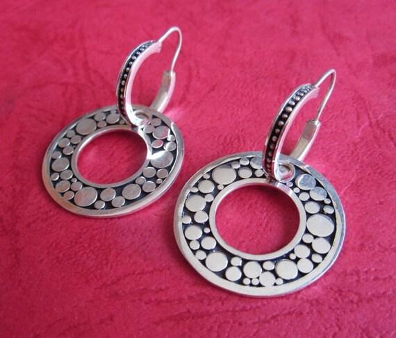 Bali Sterling silver round hoop earrings / 1.6 inch / silver Medium hoop earrings / handmade earrings.