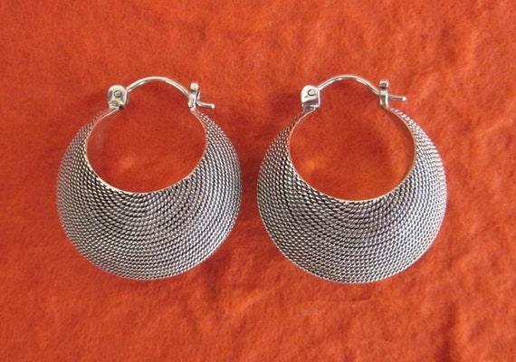 Balinese 925 Sterling Silver Hoop Earrings. / silver / Handmade hoop earrings.