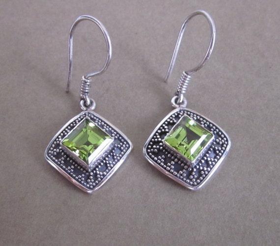 Awesome Sterling Silver Peridot Dangle Earrings / silver 925/ Bali handmade jewelry