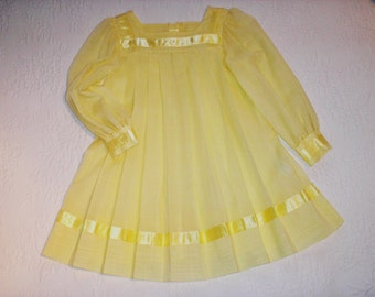 Ready to Ship VINTAGE Size 4 to 5 Yellow Pleated Dress trimmed in yellow satin ribbon.