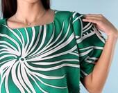 Vintage Caftan Tent Dress Emerald Green Ethnic Tribal Print Swirl 1970s